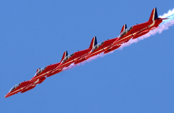 Die Red Arrows im Flug - Foto: Red Arrows