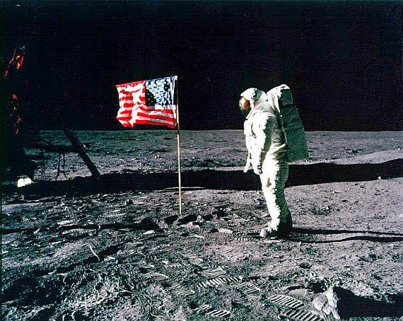 Neil Armstrong auf dem Mond - Foto: NASA / Wiki Commons