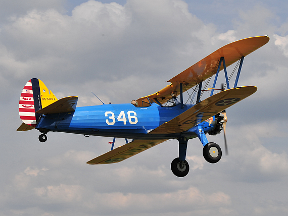 Boeing Stearman beim Low Pass ...
