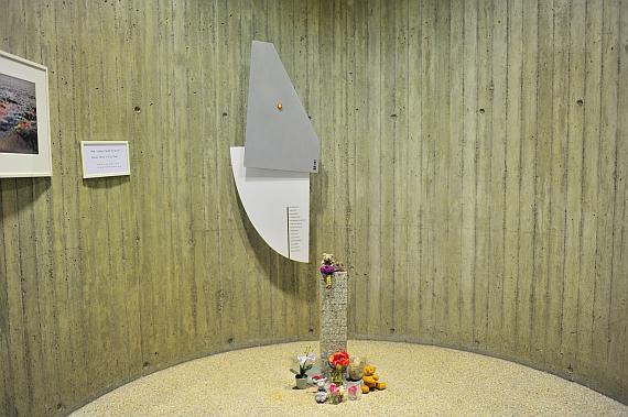 Gedenkstätte für die Crew von SR 111 im Flugbetriebsgebäude von Swissair, heute von SWISS genutzt - Foto: Austrian Wings Media Crew