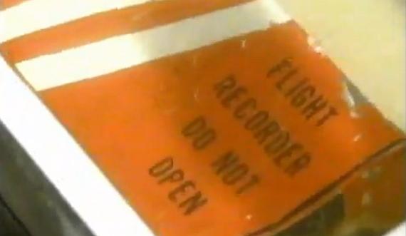 Der geborgene Flugschreiber - Foto: Screenshot YouTube