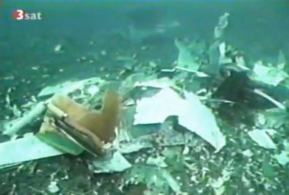 Trümmerteile der verunglückten SR 111 auf dem Meeresgrund - Foto: Screenshot YouTube