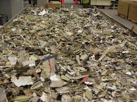 Durch die enorme Wucht des Aufpralls war Swissair 111 in mehr als zwei Millionen Einzelteile zerrissen worden - Foto: Courtesy TSB of Canada