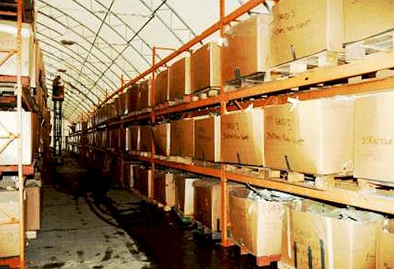 Die geborenen Stücke der Unglücksmaschine wurden sortiert und in Kartons aufbewahrt - Foto: Courtesy TSB of Canada
