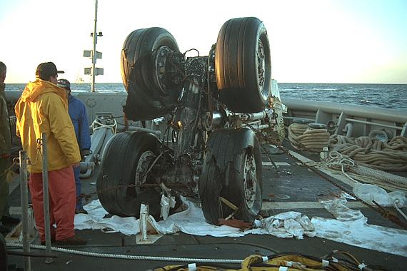 Die Fahrwerke gehörten zu den größten geborgenen Wrackteilen - Foto:  Courtesy TSB of Canada