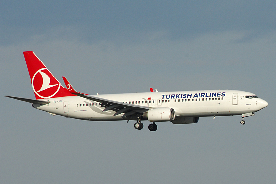 Turkish 737-800 - Foto: M. Huber