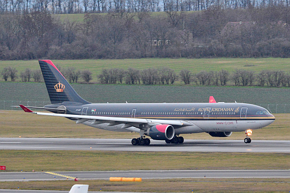 Royal Jordanian Airbus A330-200 JY-AIF Start Piste 29 Foto PA Austrian Wings Media Crew
