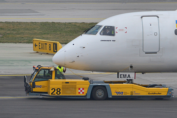 Pushback Push back Symbolbild Sujetbild Foto PA Austrian Wings Media Crew