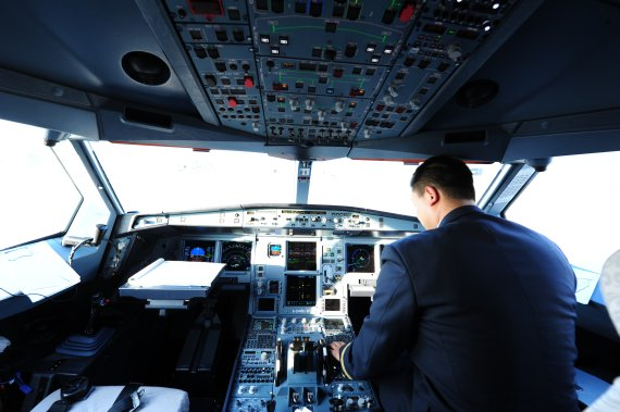 Air China Cockpit PIloten Airbus A330-300 Foto PA Austrian Wings Media Crew