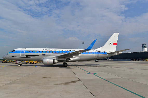 LOT Polish Airlines Embraer E175 Retro SP-LIE_1 Foto PA Austrian Wings Media Crew