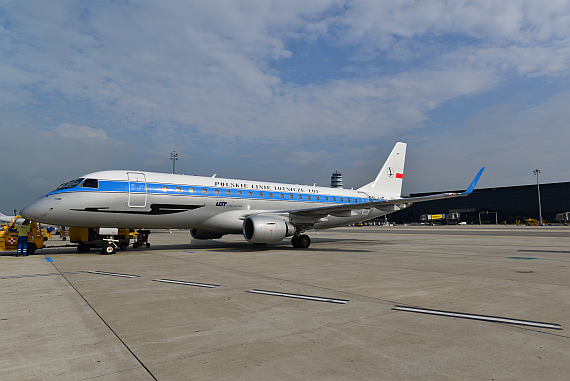 LOT Polish Airlines Embraer E175 Retro SP-LIE_2 Foto PA Austrian Wings Media Crew