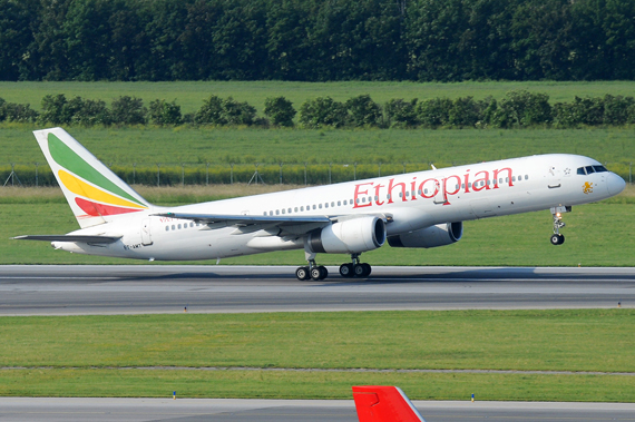 Ethiopian Airlines Boeing 757-200 beim Start nach Stockholm - Foto: Austrian Wings Media Crew