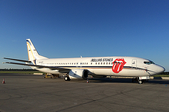 Rolling Stones Boeing 737-400 in Wien | Austrian Wings Rolling Stones On Air