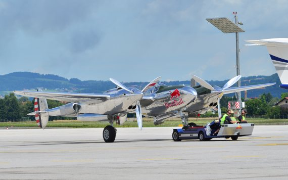 Die P-38 der Flying Bulls im Static Display.