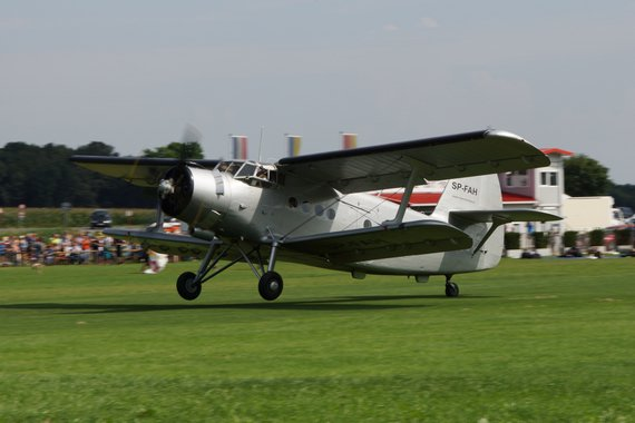 Antonov AN-2 Flugplatzfest Völtendorf SP-FAH 20140803_09_LOAD_Wildbergair