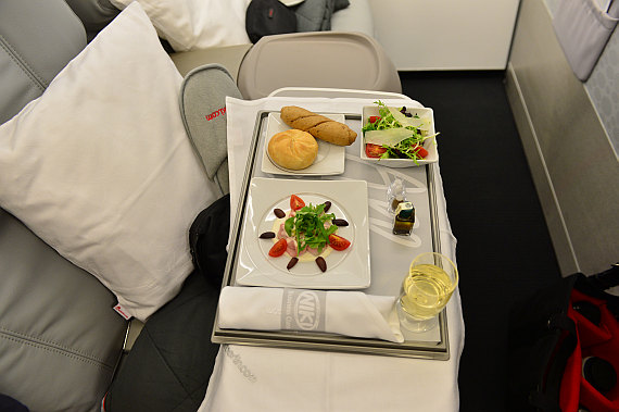 Niki Etihad Abu Dhabi Business Class Event Foto PA Austrian Wings Media Crew Catering essen