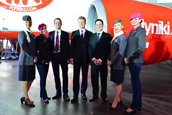 Niki Etihad Abu Dhabi Business Class Event Foto PA Austrian Wings Media Crew Gruppenfoto Lesjak und Co