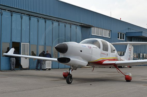 Diamond Aircraft DA50 Erstflug drehender Propeller Foto PA Austrian Wings Media Crew