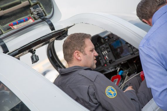 Diamond DA50 Erstflug Testpilot peter hollos-2