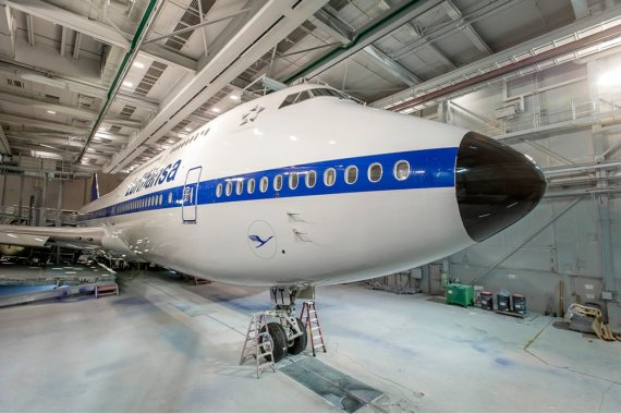 Lufthansa Boeing 747-8I 2015-02-09 14_16_43-747-8I DLH #1513-RC039 In The Paint Hangar_Contact Credit Lufthansa