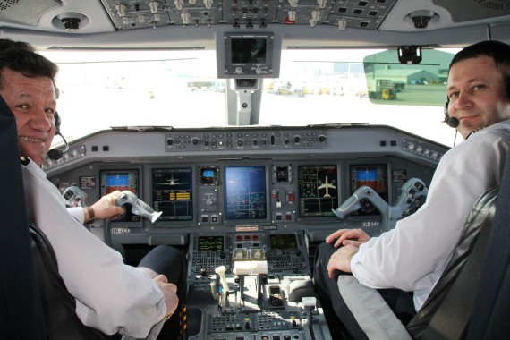 Embraer 190 Cockpit, Flight Deck - Foto: Austrian Wings Media Crew