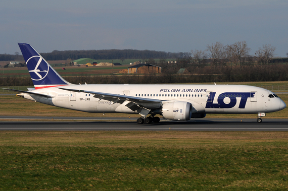 LOT Boeing 787-8 Dreamliner SP-LRB in Wien - Foto Austrian Wings Media Crew