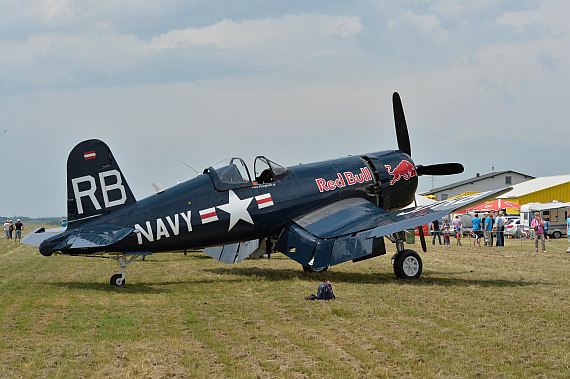 Flugplatzfest STockerau 2015 Foto Huber Austrian Wings Media Crew Flying Bulls F4U Corsair static display