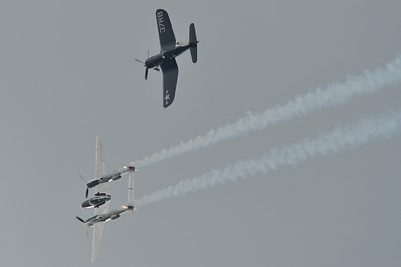 Flugplatzfest STockerau 2015 Foto Huber Austrian Wings Media Crew Flying Bulls Formation F4U Corsair P-38 Lightning_11