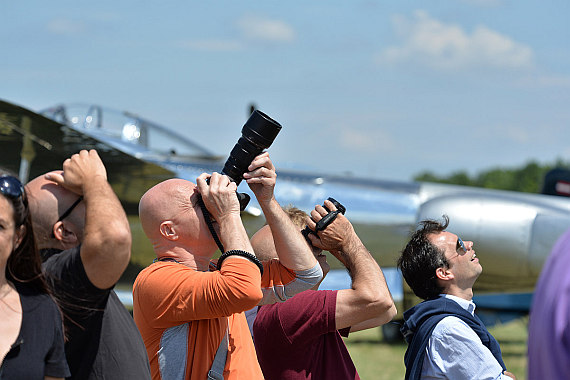 Flugplatzfest Stockerau 2015 28062015 Foto Huber Austrian Wings Media Crew Besucher Spotter
