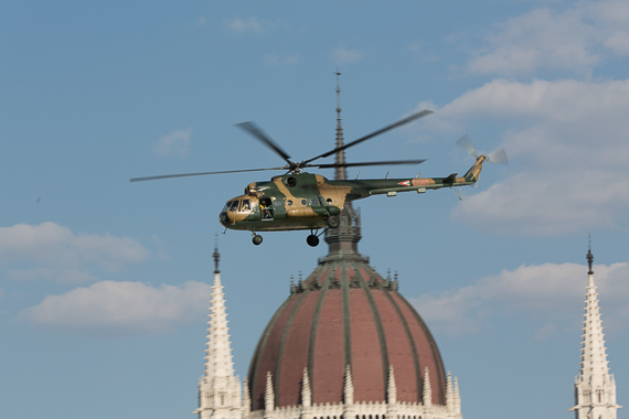 Red Bull Air Race Budapest 2015 Mil Mi-8 Mil Mi-17 Peter Hollos - 173128-PH5_5057