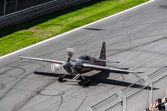 Red Bull Air Race Spielberg 2015 Media Day Hannes Arch Peter Hollos - PH5_6229