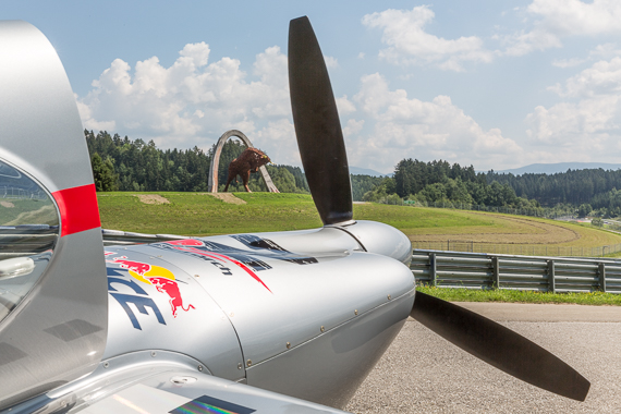 Red Bull Air Race Spielberg 2015 Media Day Hannes Arch Peter Hollos - PH5_6557
