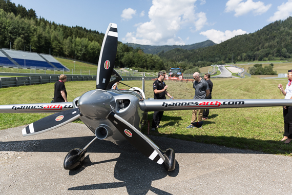 Red Bull Air Race Spielberg 2015 Media Day Hannes Arch Peter Hollos - PH5_6569