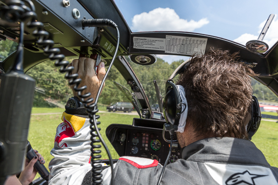 Red Bull Air Race Spielberg 2015 Media Day Hannes Arch Peter Hollos - PH5_6622