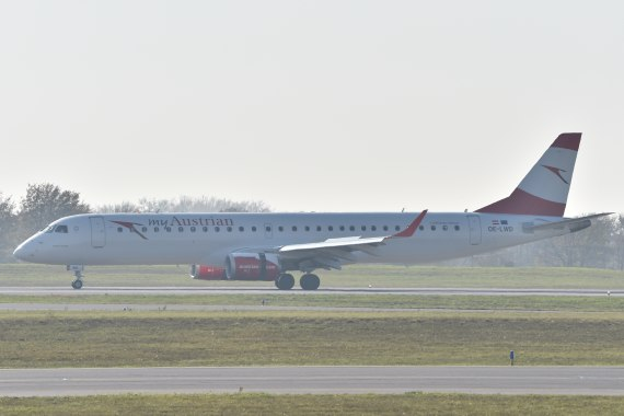 AUA Austrian Airlines Ankunft erster Embraer E-195 E195 OE-LWD am 31102015 Low Pass Foto Huber Austrian Wings Media Crew_2