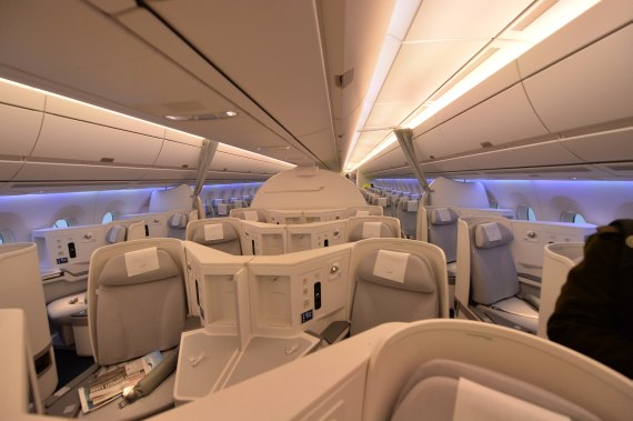 OH-LWA Finnair Airbus A350 Erstlandung Huber Austrian Wings Media Crew Business Class