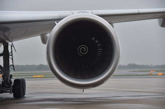 OH-LWA Finnair Airbus A350 Erstlandung Huber Austrian Wings Media Crew left engine linkes Triebwerk