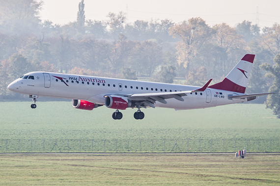 Thomas Ranner AUA Austrian Airlines OE-LWD erster Embraer E-195 Low Pass