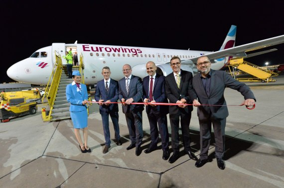 Eurowings Erstlandung Airbus A320 D-AIZQ Ribbon Cutting Foto Huber Austrian Wings Media Crew DSC_0625