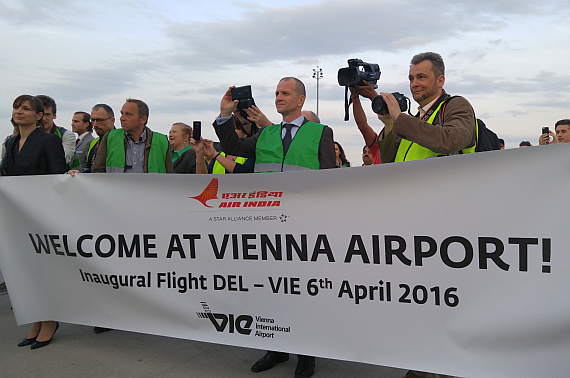 Air India Boeing 787-8 Dreamliner VT-ANE Erstlandung, Welcome-Banner - Foto: N. Türkoglu / V-I-P.tv