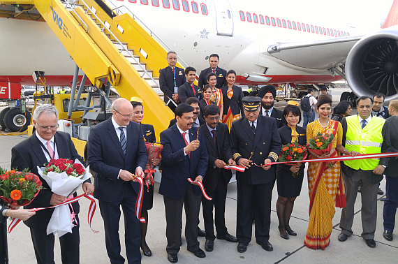 Air India Boeing 787-8 Dreamliner VT-ANE Erstlandung, Ribbon Cutting - Foto: N. Türkoglu / V-I-P.tv