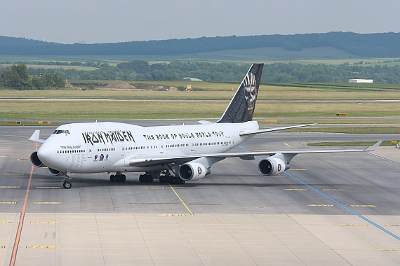 Iron Maiden Boeing 747-400 Ed Force One TF-AAK Foto Kathi Schlapsi_005