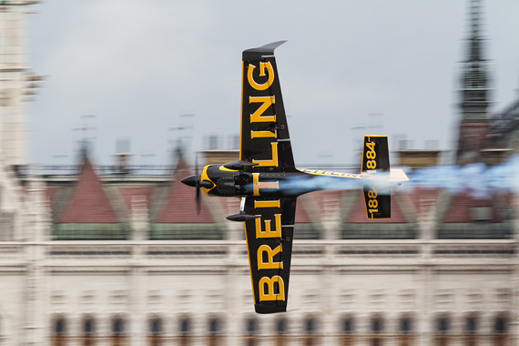 1_2KD78772_Nigel Lamb_mini Red Bull Air Race Budapest 2016 Foto Thomas RAnner