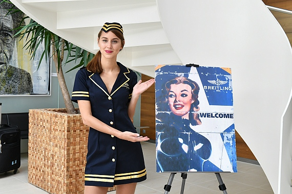 DSC_0006 Breitling Super Constellation Präsentation STewardess