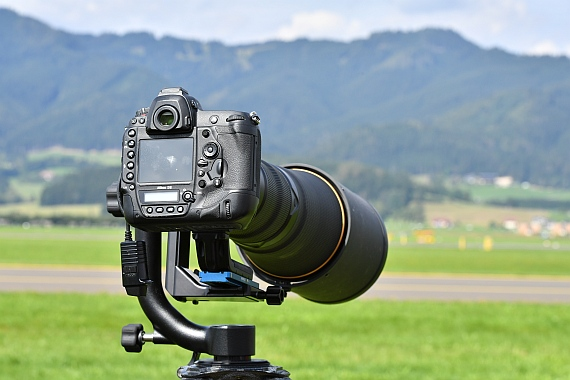 DSC_0515 Spotter Nikon D5 mit 600mm Objektiv Airpower 2016 Foto Huber Austrian Wings Media Crew