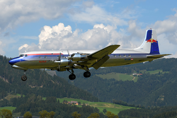 DC-6 der Flying Bulls