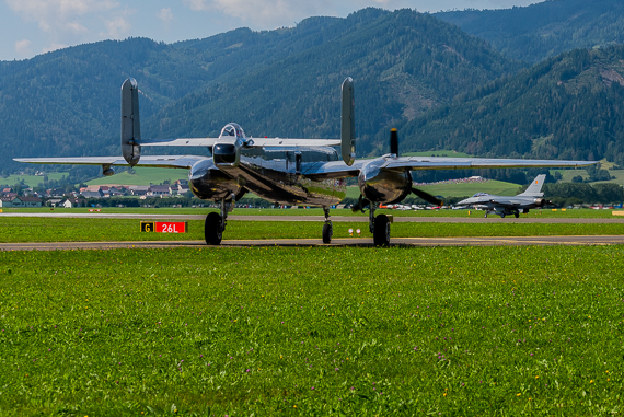 Red-Bull-North-American-B-25J-Mitchell-Belgische-Luftwaffe-Lockh