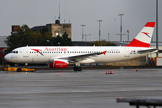 AUA Austrian Airbus A320 new colors neue Farben Lackierung OE-LBY - Foto Austrian Wings Media Crew
