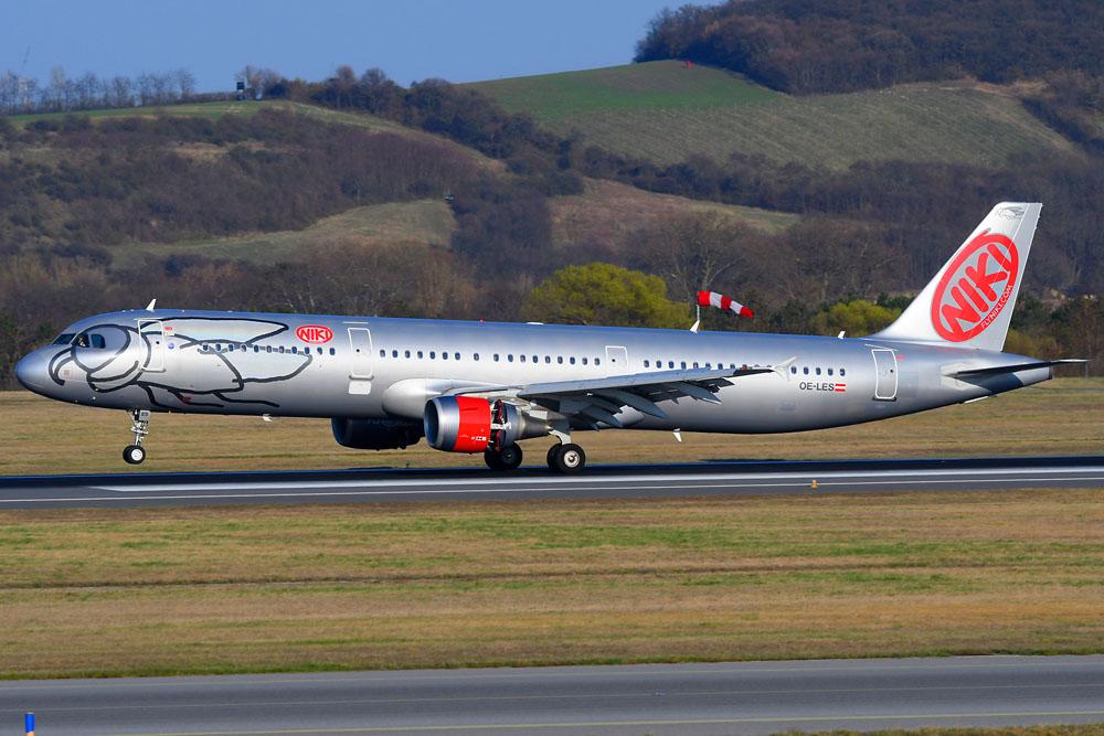 Air Berlin macht mit getrennten Geschäftsfeldern weiter