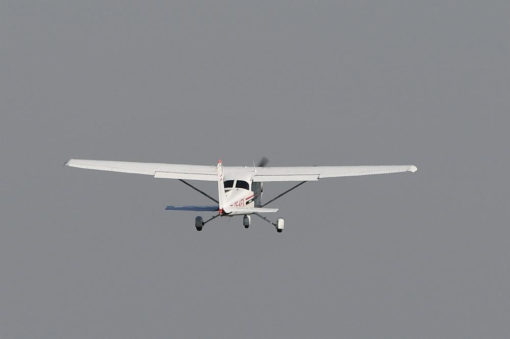Flugzeug kollidiert mit Hubschrauber - Tote befürchtet